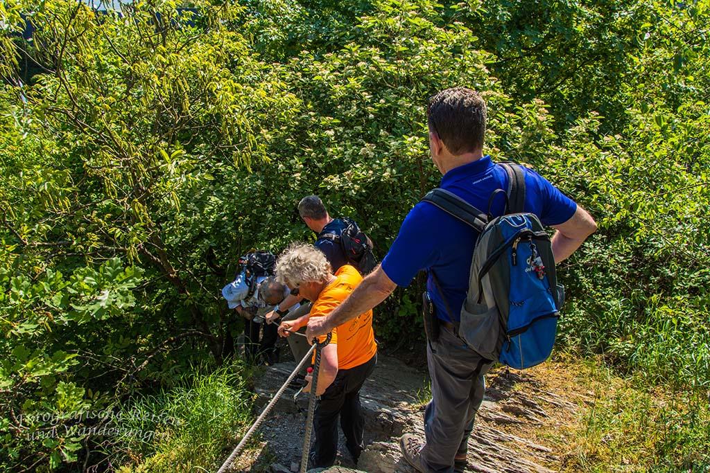 In einer Reihe Richtung Klettersteig