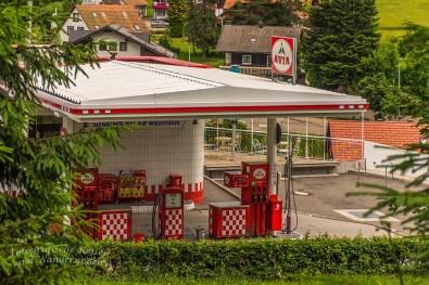 Retro-Tankstelle mit Einkehr