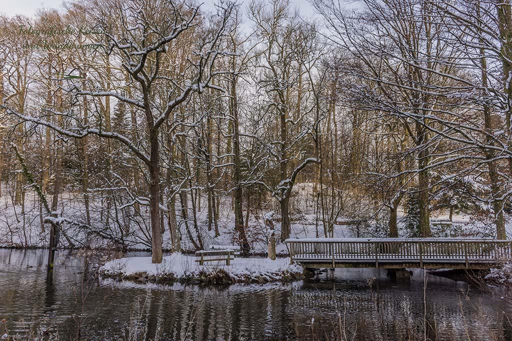 Brücke im Schlosspark Heiligenhoven
