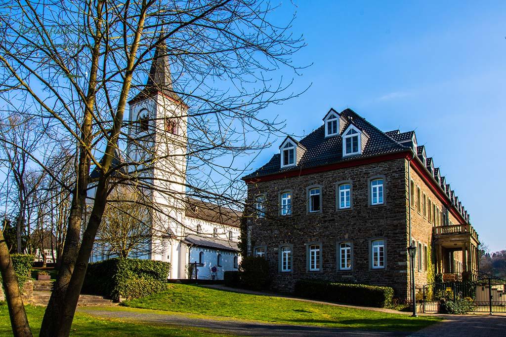 Schloss Merten - Wandern bei Blankenberg an der Sieg