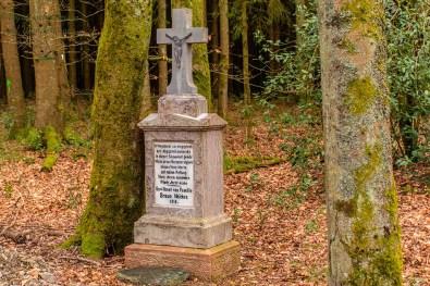Gedenkstein der Familie Neicken-Eifelsteig Etappe 2