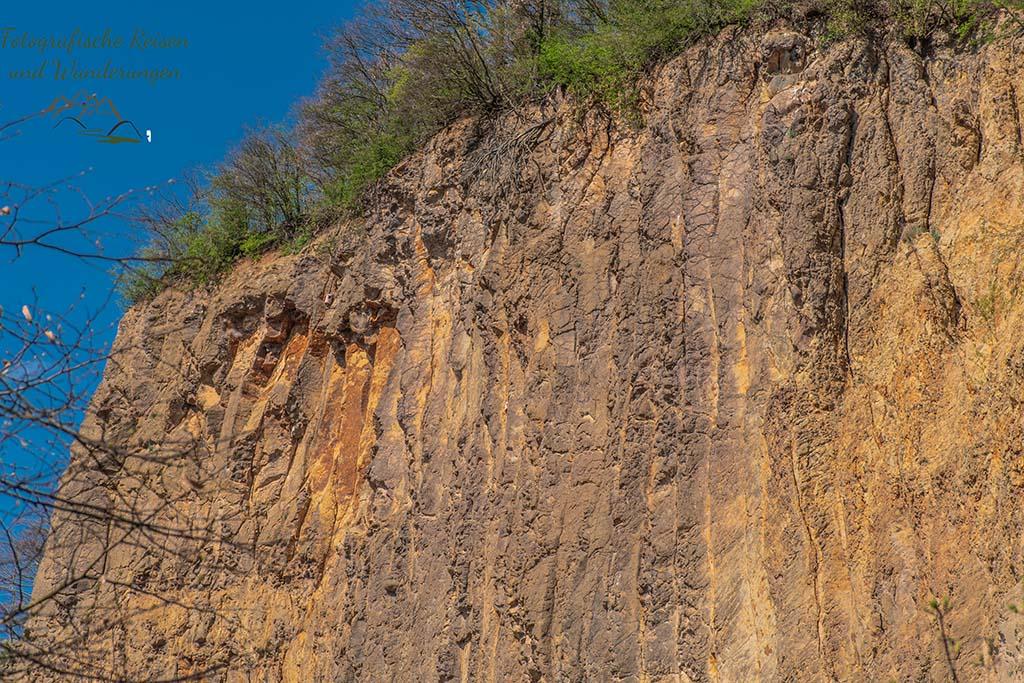 Rabenlay - Felsen und Höhlen im Siebengebirge