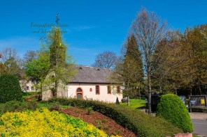 Kirche in Oberscheidweiler - Zwei Bäche Pfad