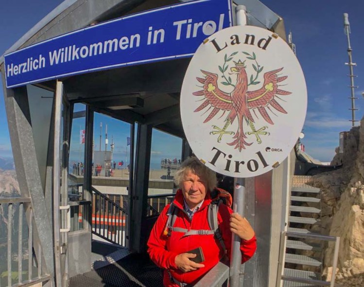 Grenze zwischen Österreich und Deutschland auf der Zugspitze
