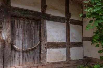 Typisch die kleinen Türen