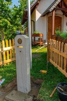 Trinkwasserbrunnen vor der MArienkapelle Caan