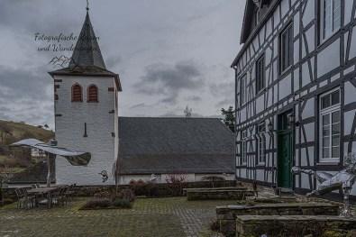 Kunstobjekte Peter Ratz (Ley) - Gebäude Alte Bürgermeisterei