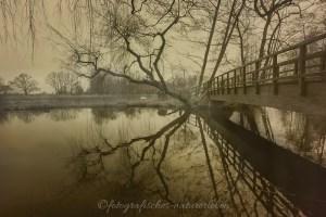 De Wittsee Brücke mit Spiegelung