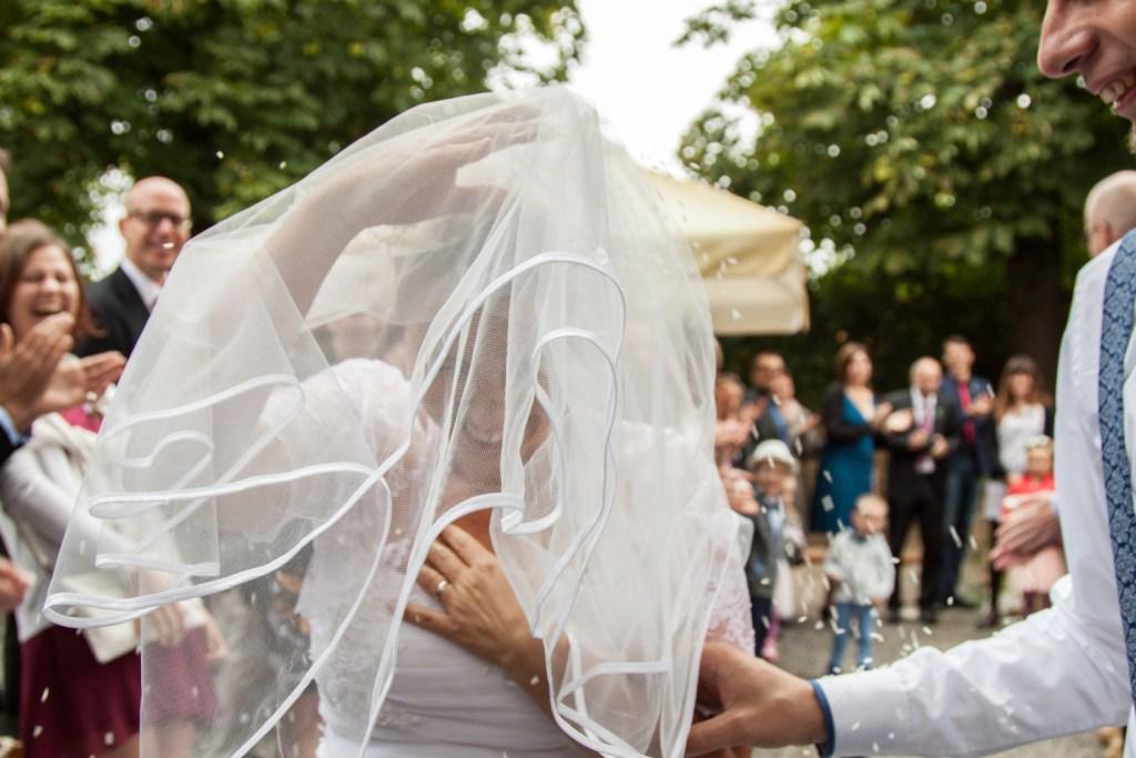 FOTO: Házení rýže nevěsta