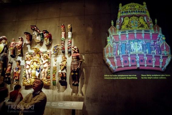 Setki rzeźb zachowały się w nienaruszonym stanie, sztuką było umieszczenie ich na odpowiednich miejscach. Ta praca zajęła dwa lata.