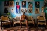 """Mieszkanie w Starej Hawanie, Javier, zarabiał """"na wybiegu"""", był modelem na Cayo Santa Maria. Problemy zdrowotne w rodzinie zmusiły go do powrotu do Hawany"""