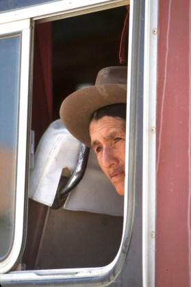 Bolivia, Chuquisaca, Tarabuco, feria dominical, bus retrato