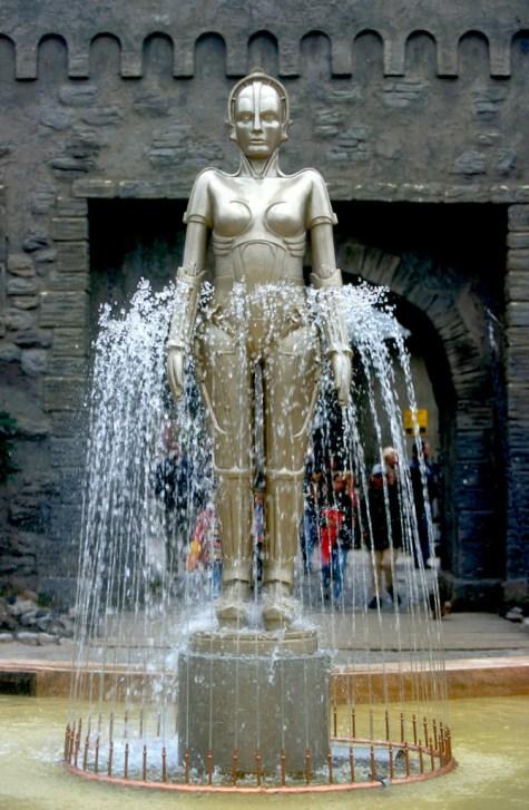 Alemania, Brandenburgo, Potsdam, Estudios Babelsberg, Robot Maria, película Metropolis 1927, escultura