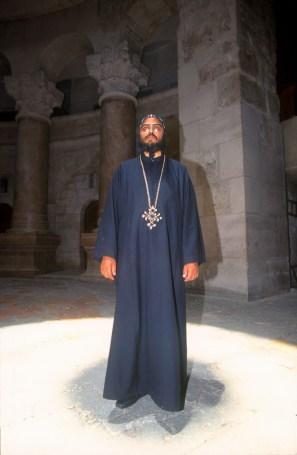 Israel, Jerusalén, San Sepulcro, Sacerdote Copto, retrato