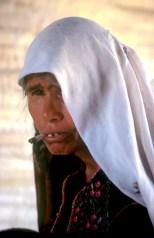 Israel, desierto del Negev, Señora beduina, tienda beduina