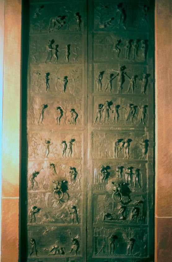 Alemania, Baja Sajonia, Hildesheim, puerta de la catedral