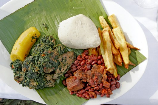 Camerún, Limbe, Playa de Limbe, buena comida.