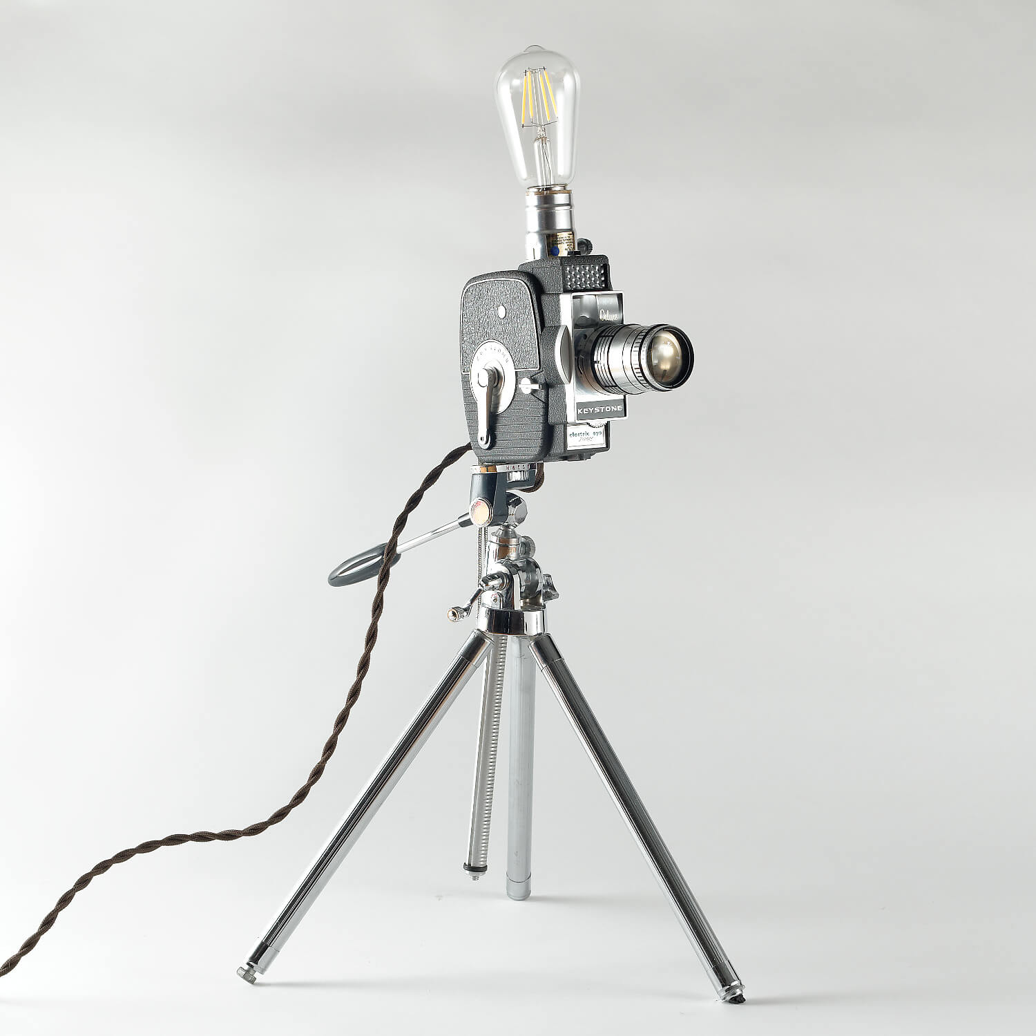 8Mm Vintage Camera upcycled keystone electric eye 8mm vintage camera lamp with dimmer and  tripod - foto inventos