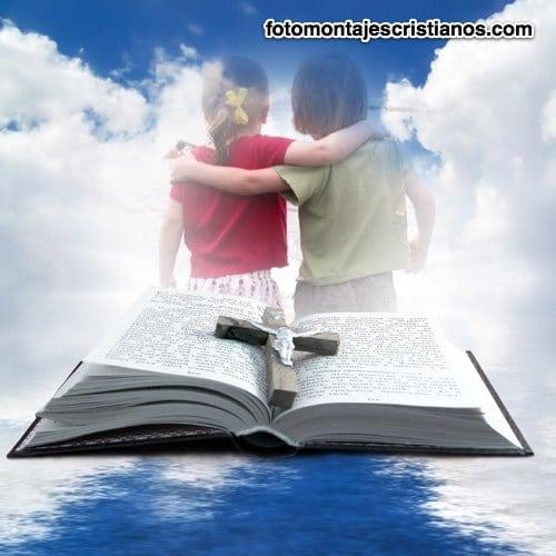 fotomontaje junto a la sagrada biblia