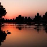 Atardecer en Orchha, La India, famosa por sus cenotafios.