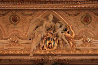 Wnętrza Opery - widownia i scena