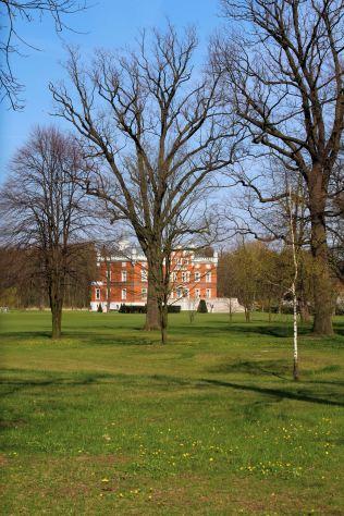 Pałac w Szałszy od południa