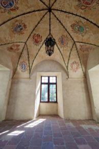 Baranów Sandomierski - krużganki zamku