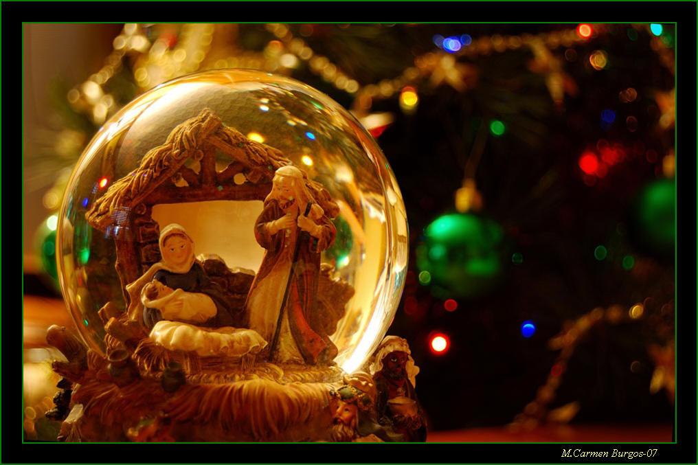 Nacimiento En La Bola De Cristal Fotos De Navidad