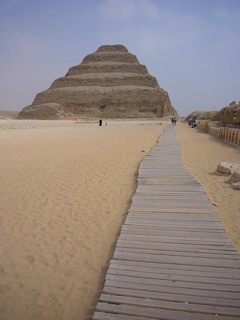 Pirámide escalonada de Saqqara.