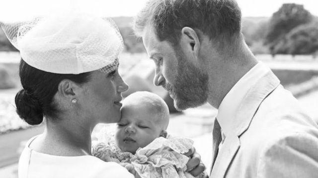 Meghan Markle y el Príncipe Harry bautizaron a Arch
