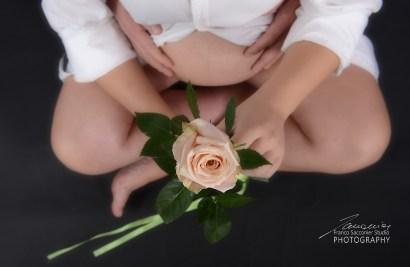 Una rosa per Chiara, che sta per diventare mamma.