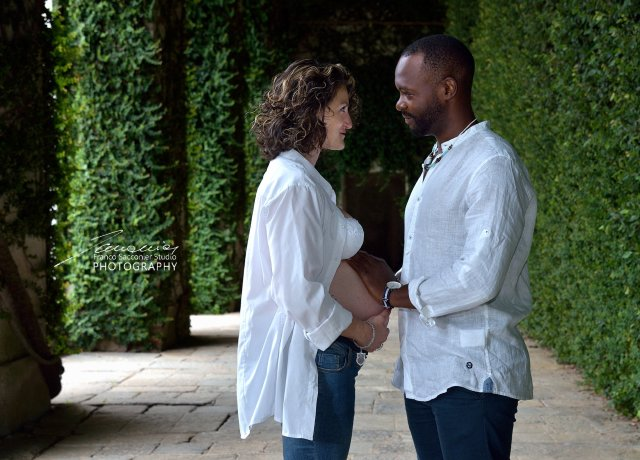 Una coppia in dolce attesa. I giardini del castello di Agliè si prestano a diversi set fotografici. #castelloducale