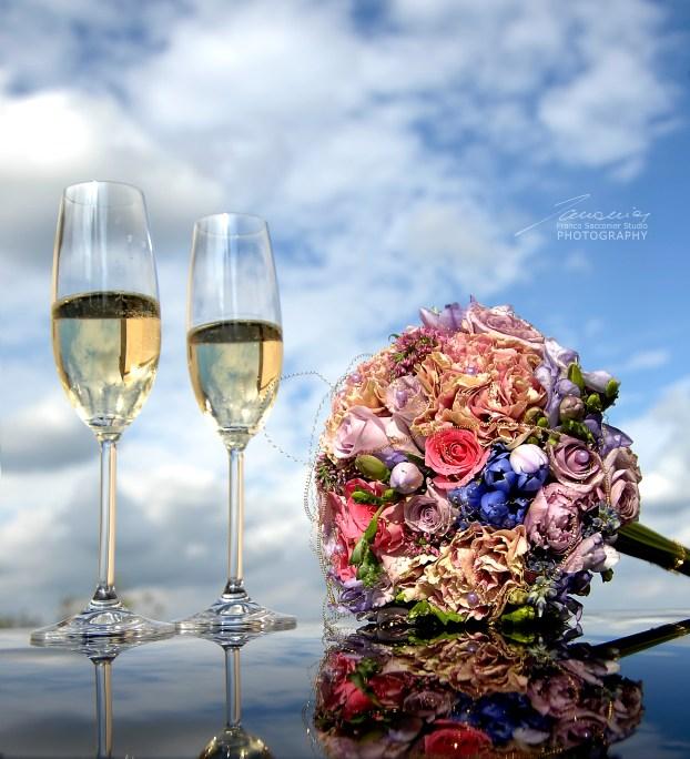 Fotografo Matrimoni. Un bouqut con tanti fiori di colori differenti, per il matrimonio #bouquetpermatrimoni