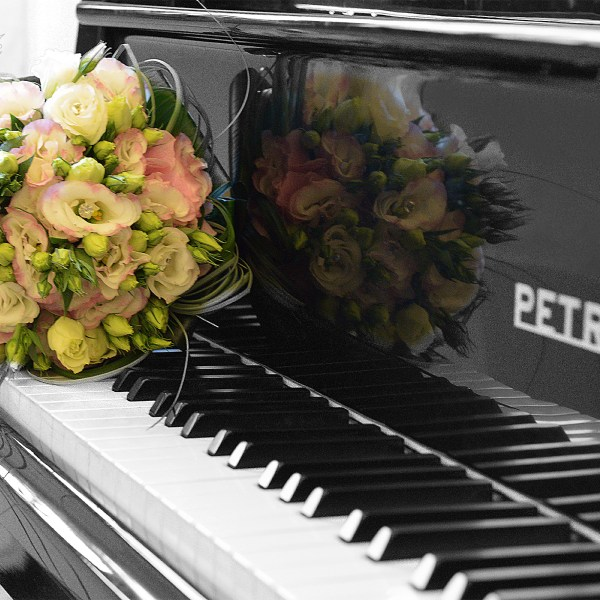 Anche i colori dei fiori hanno le loro vibrazioni. #bouquetpermatrimoni