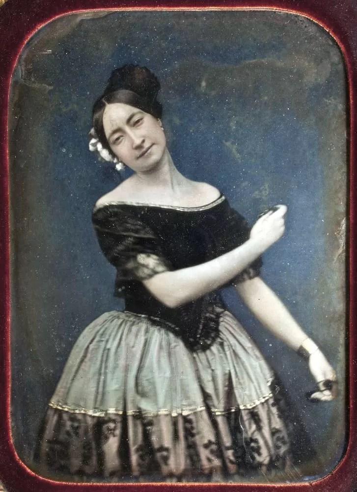 Retrato al daguerrotipo de una bailarina de la escuela bolera, hacia el año 1850