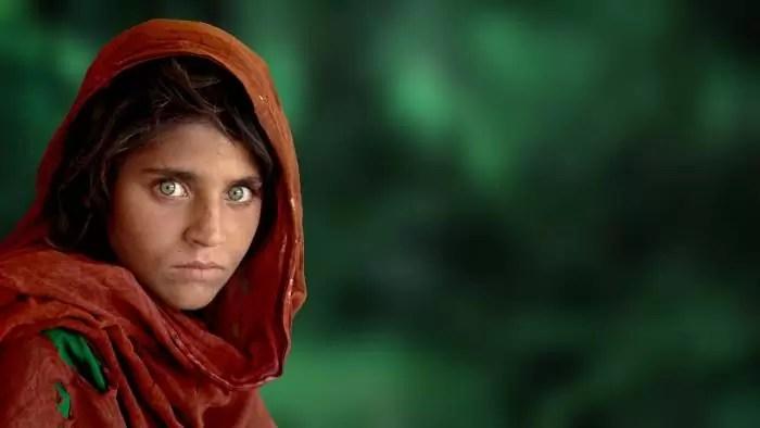 La niña afgana de ojos verdes - Steve McCurry - 1984