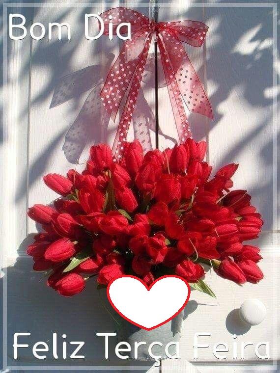 Bom dia e feliz terça-feira com um buquê de tulipas