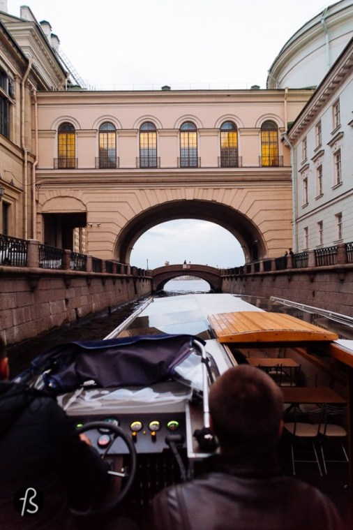 I hope this post can inspire you to travel to Russia, a bunch of images from our first day in St Petersburg. Just our first day and we saw all that!!! St Petersburg is one of the most beautiful cities we had the pleasure to visit and even though the English is not the strongest skill for Russians in general, it was easier than many European cities to get by and understand simple things like the Metro, street names, maps and even the self check out on most supermarkets.
