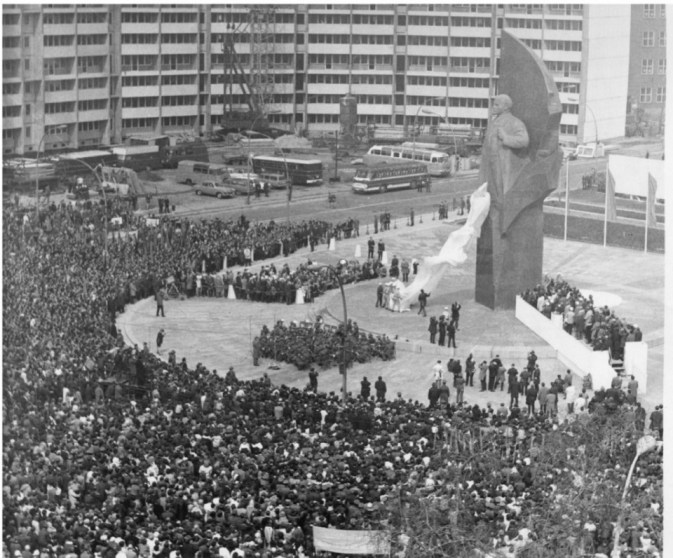 The unveiling of Lenin's statue in 1970, in front of more than 200,000 visitors, image courtesy of ZB/Junge