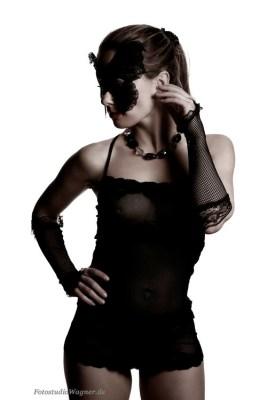 Erotische Aktfotos im Fotostudio München: Aktshootings für sie und ihn