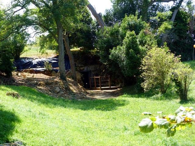 Acceso a la cueva de Altamira