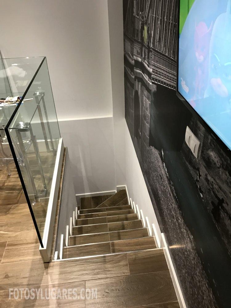 Escalera del apartamento en Teruel
