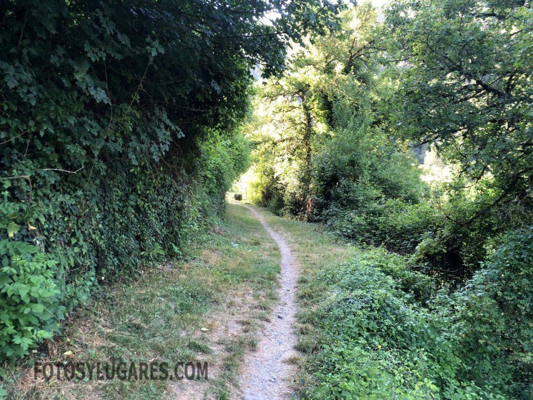 Principio de la ruta a la cascada de Belabarce