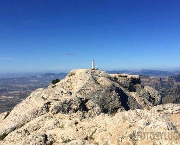 Ruta de senderismo a la cima del Maigmó, desde el balcón de Alicante