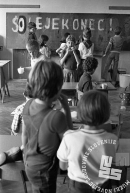 DE7911: juniji 1979. Foto: Miško Kranjec.