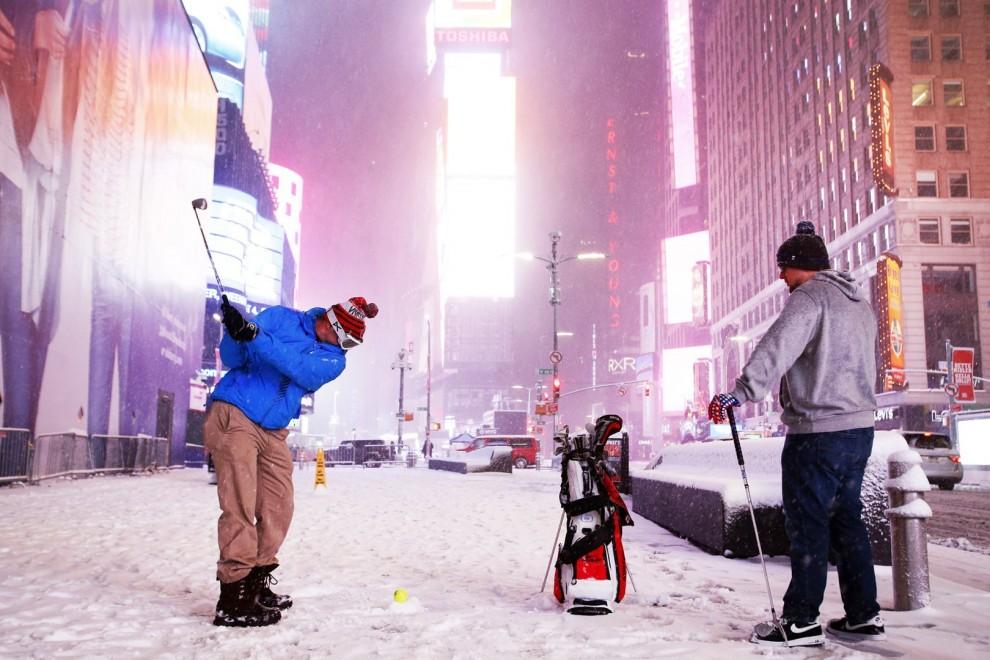 Снежный шторм «Стелла» в США