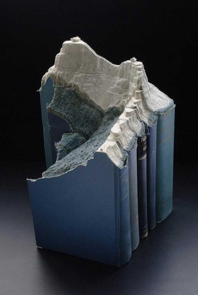 3D-пейзажи, выскобленные в старых книгах