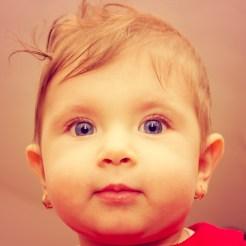 portret bebelus