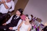 Fotografie de nunta - Iasi - dezbroboditul miresei