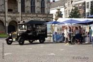 6538 Oldtimers verzameling op de Markt in Oudenaarde